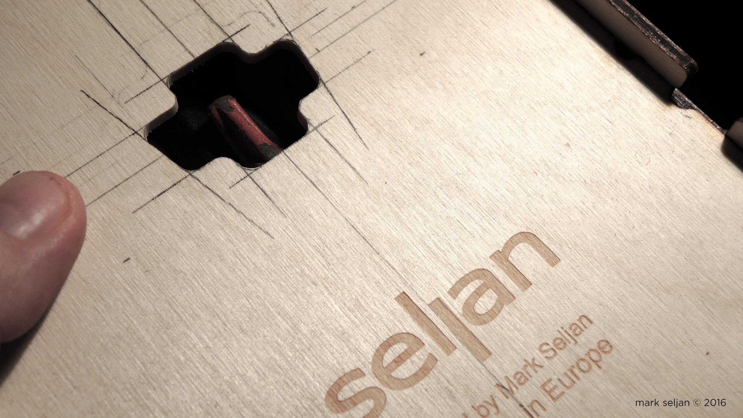 Seljan - The Slant - Package